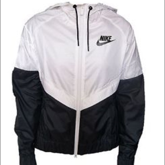 women s nike windbreaker black and white. M 5aa1701c8df470edc555bd68 84a46fc88
